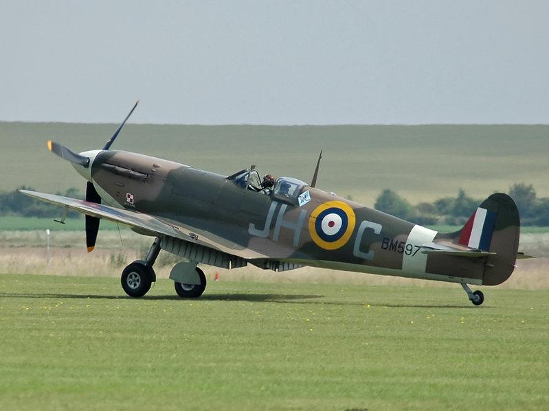 Spitfire - Designové zadání